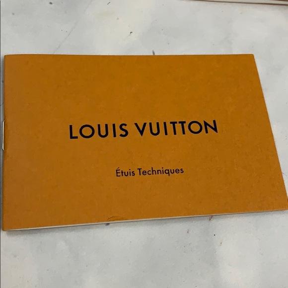 Louis Vuitton Other - 5/$25 LOUIS VUITTON carebook etuis techniques